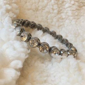 Diamond bangle with magnetic closure